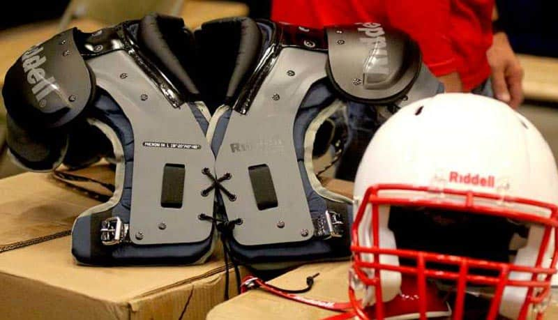 lightweight-youth-football-shoulder-pads