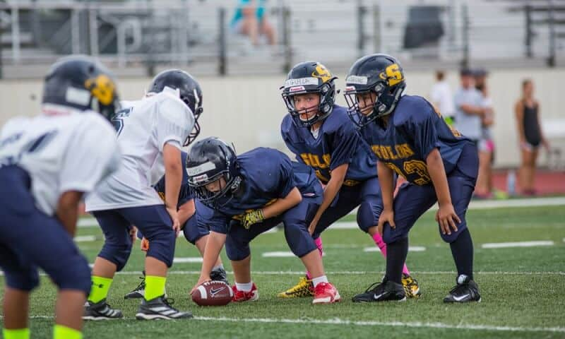 Top 10 Best Youth Football Shoulder Pads To Buy 2020 – Buying Guide